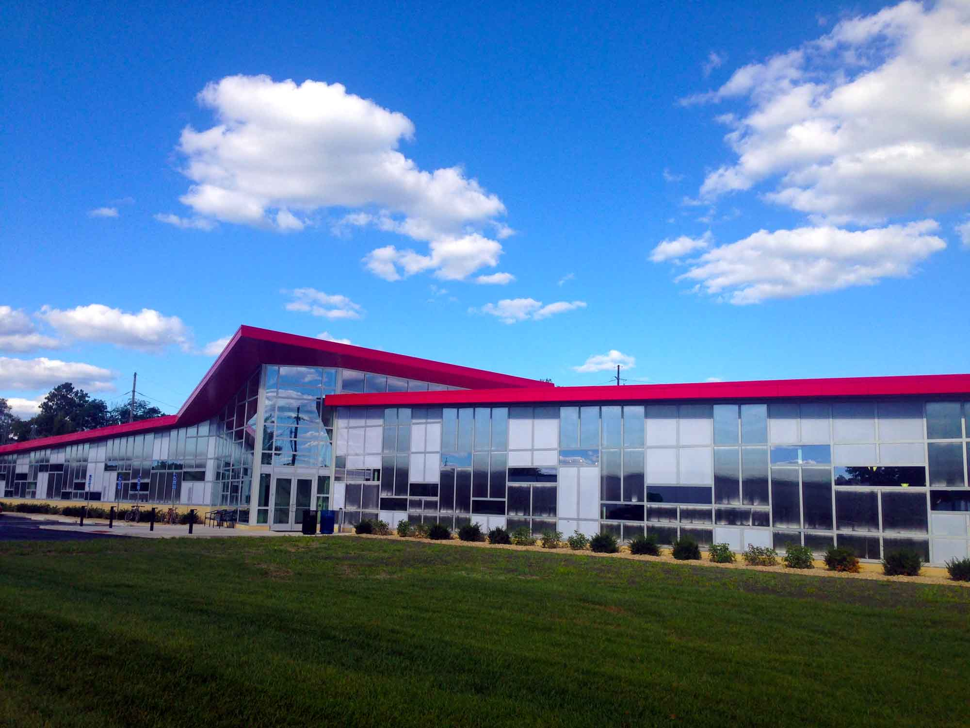 Curtain Walls - EXTECH's LIGHTWALL 3000 for the GE Corporate Hangar