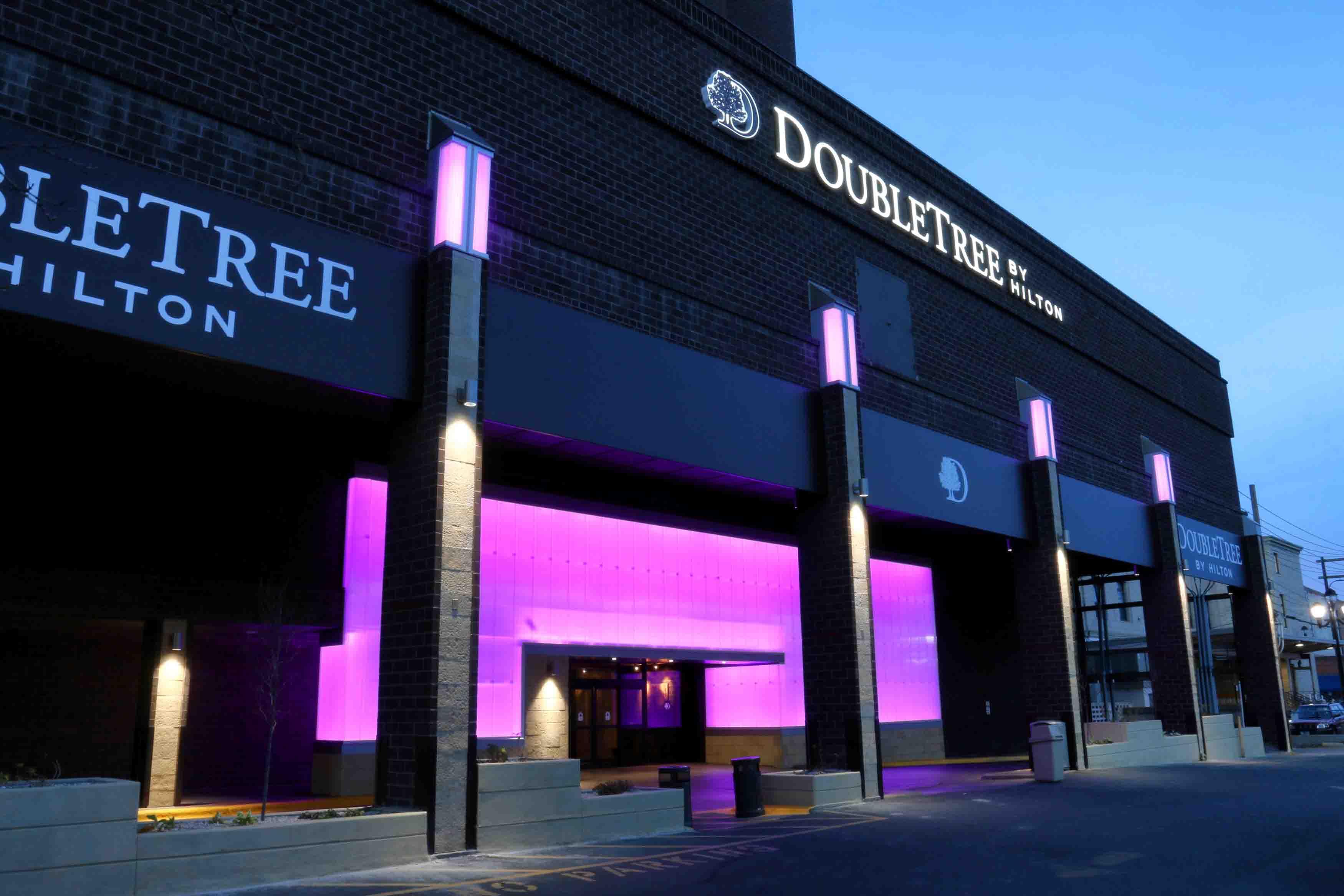 Translucent Building Panels | EXTECH | Hilton Doubletree