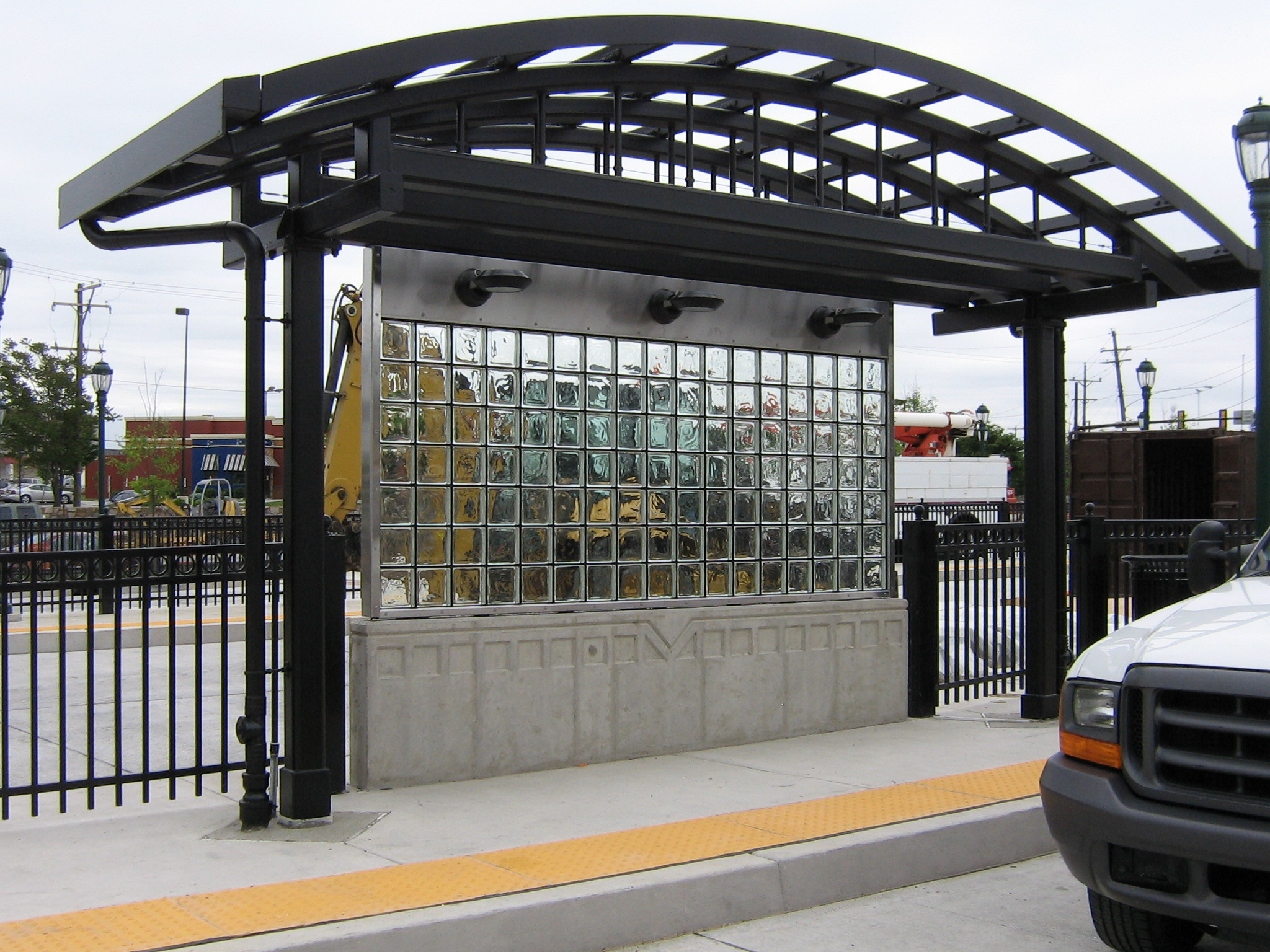mortarless glass blocks - EXTECH's MATRIXWALL for SEPTA in Philadelphia, PA