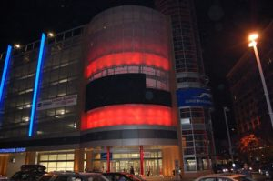 modern building facade - EXTECH's Custom Facade at the Greyhound Bus Station in Pittsburgh, PA