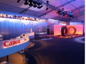 interior wall panels - EXTECH's LIGHTWALL 3440 for the Mercedes Traveling Exposition