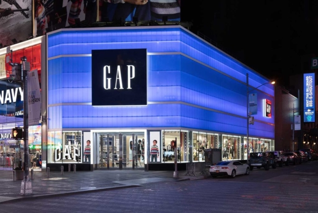 backlit blue polycarbonate - EXTECH's LIGHTWALL 3440 for the Gap store in Times Square, New York