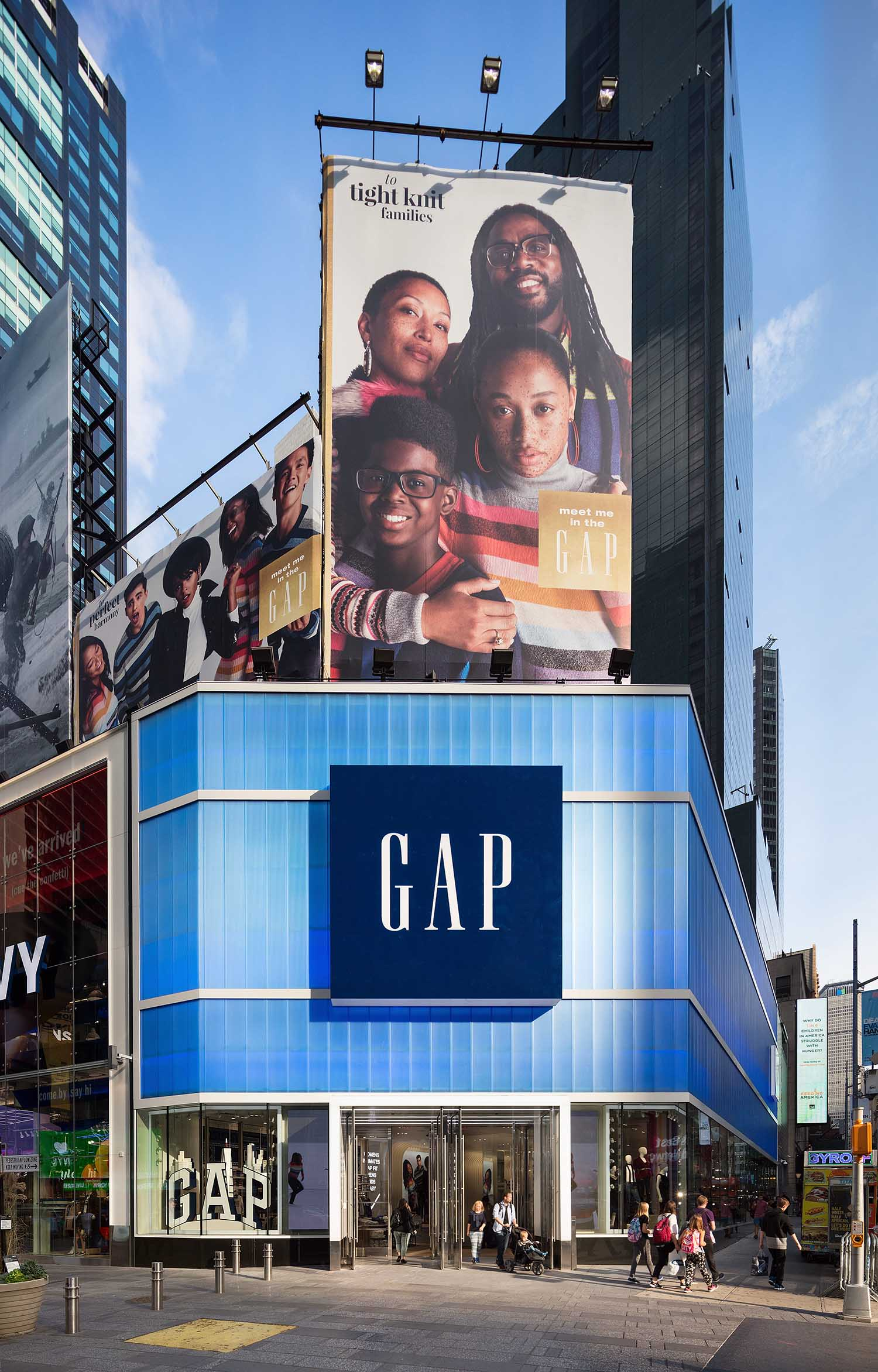 blue transparent wall panels - EXTECH's LIGHTWALL 3440 for the Gap Store in New York, NY