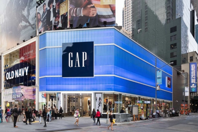 colorful polycarbonate transparent wall panels - EXTECH's LIGHTWALL 3440 for the Gap Store in New York, NY