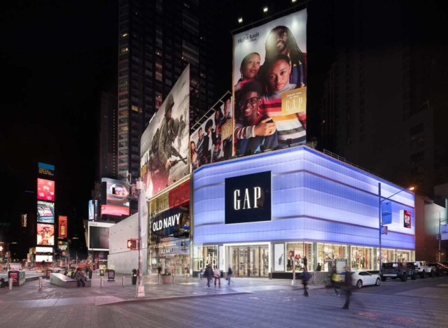 translucent wall panels - EXTECH's LIGHTWALL 3440 for the Gap store in New York, NY
